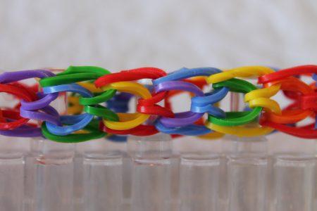 Loom voorbeelden – Dragon Scale Armband (op 4 pinnen)