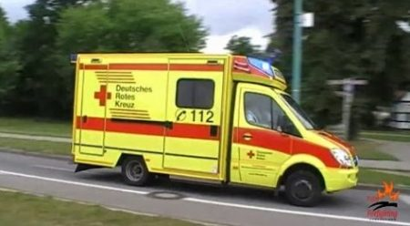 Hulpdiensten – German Ambulances And Other EMS Vehicles Responding