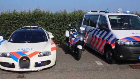 Hulpdiensten – Politie Delft Neemt Bugatti Veyron In Gebruik
