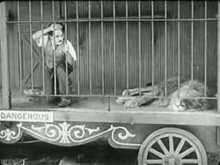 Charlie Chaplin – De Leeuwen Kooi