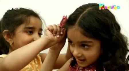 Kindertijd – Inaaya En Ranisha Leren Bollywood Dansen
