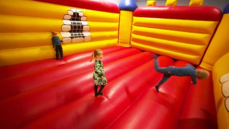 Indoor Speeltuin – Busfabriken Lekland