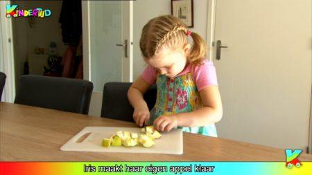 Kindertijd – Iris Maakt Haar Eigen Appel Klaar