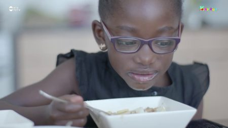 Kindertijd – Kaylee Maakt Surinaamse Saoto Soep