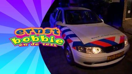 Ernst Bobbie en de Rest – De Gestolen Politieauto
