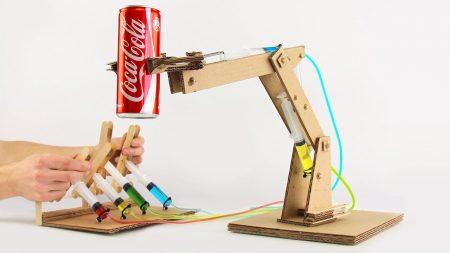 Hoe Maak Je – Een Hydraulisch Aangedreven Robotarm Van Karton