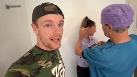 Enzo Knol – Tess Krijgt Een Flapoor Correctie (Operatie) – Vlog #2262