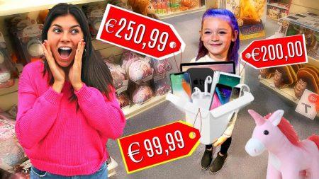 Celine & Michiel – Alles Kopen Wat 8 Jarig Kind Kan Dragen! – Challenge #71