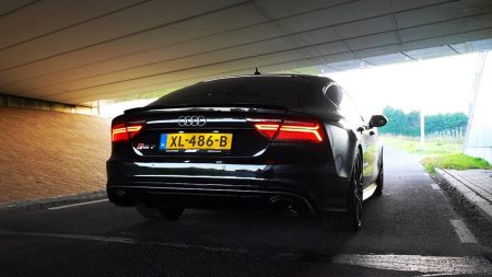 Royalistiq – Beste Viaduct Om Te Revven! Audi RS7 Milltek!
