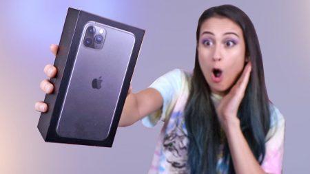 MeisjeDjamila – Spelen Met Mijn Nieuwe iPhone 11 Pro! – Fan Friday