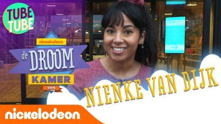 De Droomkamer Van… Nienke Laat Haar Nickelodeon Werkplek Zien!