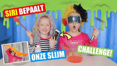 De Zoete Zusjes – Siri Bepaalt Onze Slijm – Challenge!! [Met Blinddoek en Pruik]