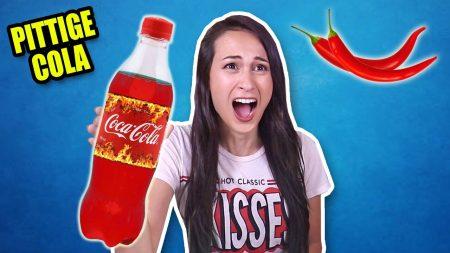 MeisjeDjamila – Voor 'T Eerst Hete Cola Proberen – En Ander Gek Snoep Challenge! – Fan Friday
