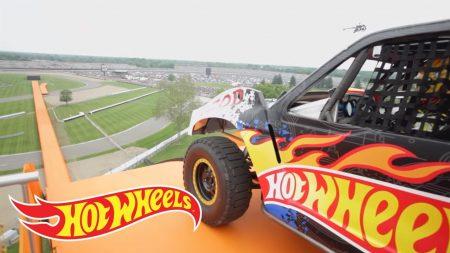 Team Hot Wheels – De Gele Rijder – Wereld Record Sprong (Tanner Foust)