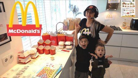 Familie Lakap – Een Eigen McDonald's In ons Huis Maken! #470