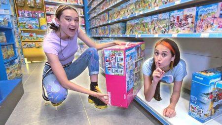 MeisjeDjamila – Verstoppertje In Een Speelgoedwinkel Met Mijn Nichtje – Fan Friday
