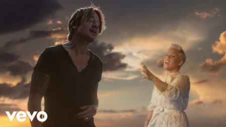 Keith Urban with P!nk – One Too Many