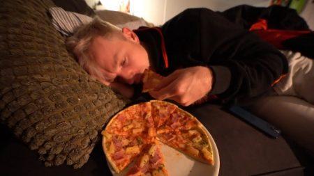 Enzo Knol – Ik Ben Ziek & Heb Trek In Pizza #2633