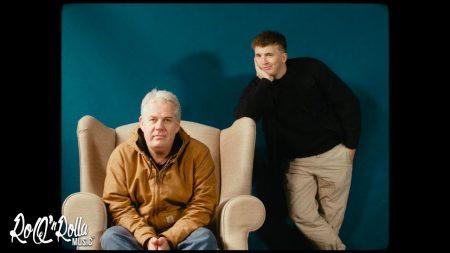 Snelle & Thomas Acda – Papa Heeft Weer Wat Gelezen