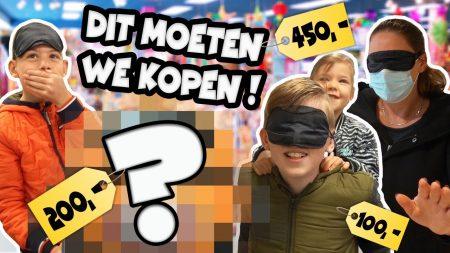 De Bakkertjes – Geblinddoekt Shoppen In Een Speelgoedwinkel!! #445