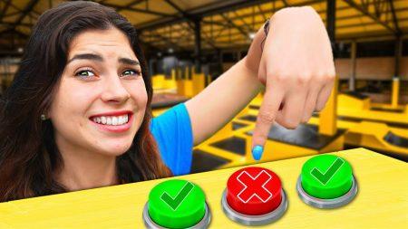 Celine & Michiel – Kies Niet De Verkeerde Mystery Knop! Trampoline Park Challenge! #323
